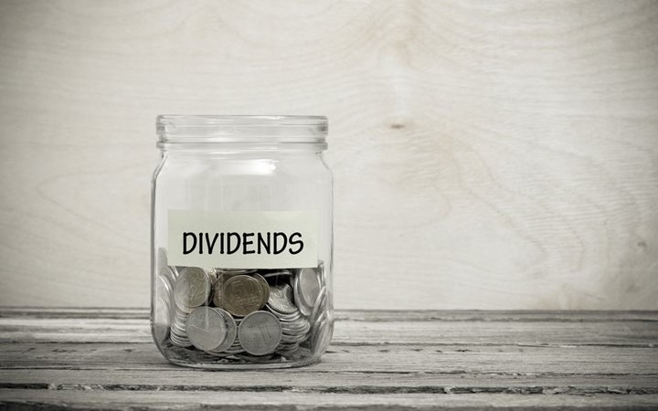 dividend-mutual-funds-the-pros-and-cons-featured-720x450