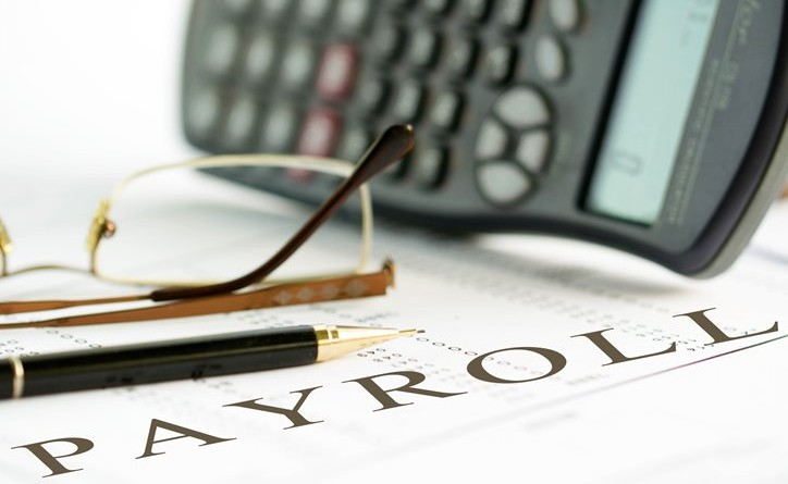 how-can-a-payroll-service-benefit-your-business-featured