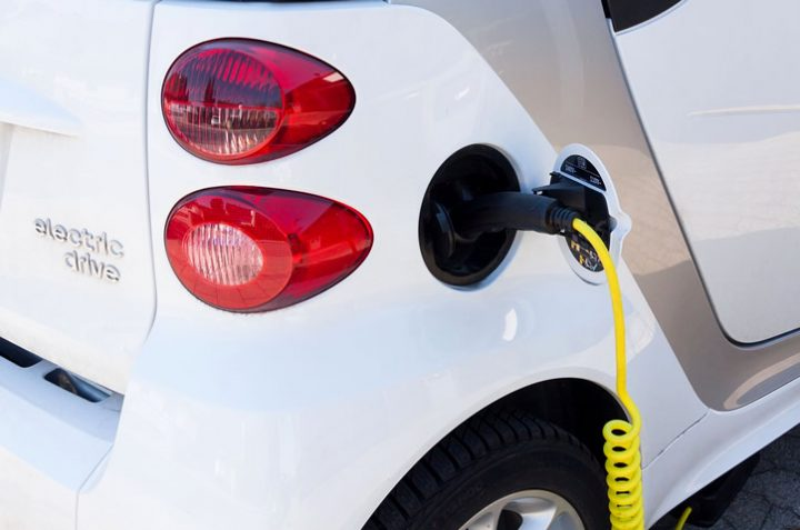 Electric or Hybrid Car: Pros & Cons